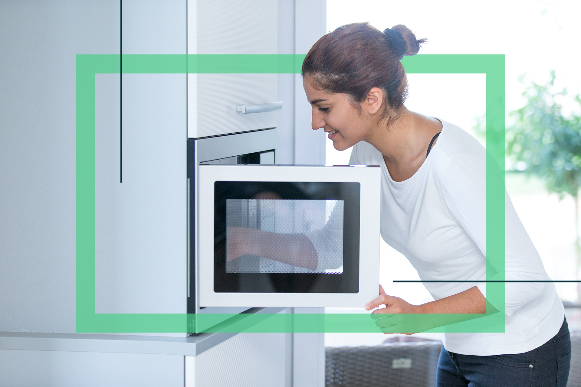 How-to-Clean-a-Microwave-Safely-Feature-Images